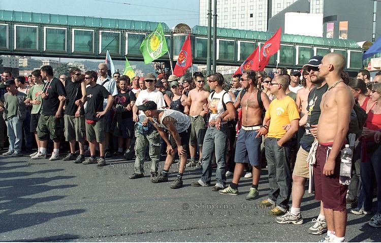 Genova, Luglio 2002..Manifestazione a un anno dalla morte di Carlo Giuliani ucciso dalle forze dell'ordine durante le manifestazioni contro il G8 del 2001