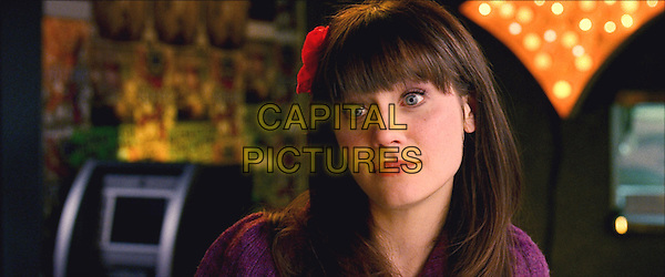 ZOOEY DESCHANEL.in Yes Man.*Filmstill - Editorial Use Only*.CAP/FB.Supplied by Capital Pictures.