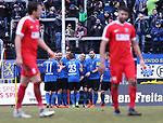 Saarbr&uuml;ckens Patrick Schmidt   jubelt nach seinem 2:1 mit  der Mannschaft w&auml;hrend die Wormser Benjamin Maas (l.) und Ugurtan Kizilyar (r.)  entt&auml;uscht vorbeigehen beim Spiel in der Regionalliga Suedwest, 1. FC Saarbruecken - Wormatia Worms.<br /> <br /> Foto &copy; PIX-Sportfotos *** Foto ist honorarpflichtig! *** Auf Anfrage in hoeherer Qualitaet/Aufloesung. Belegexemplar erbeten. Veroeffentlichung ausschliesslich fuer journalistisch-publizistische Zwecke. For editorial use only.