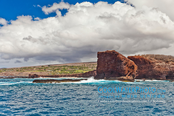 Pu'u Pehe aka Sweetheart Rock, South Lāna'i, Lāna'i aka Pineapple Island because of its past as an island-wide pineapple plantation of Dole, the sixth-largest island of the Hawaiian Islands, Hawaii, USA, Pacific Ocean