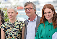 Michelle Williams, Todd Haynes &amp; Julianne Moore at the photocall for &quot;Wonderstruck&quot; at the 70th Festival de Cannes, Cannes, France. 18 May 2017<br /> Picture: Paul Smith/Featureflash/SilverHub 0208 004 5359 sales@silverhubmedia.com