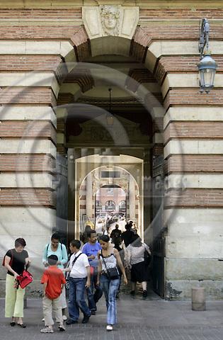 TOULOUSE - FRANCE - 27 MAY 2005-- Toulouse city centre. The entrance to Place du Capitole.-- PHOTO: JUHA ROININEN / EUP-IMAGES