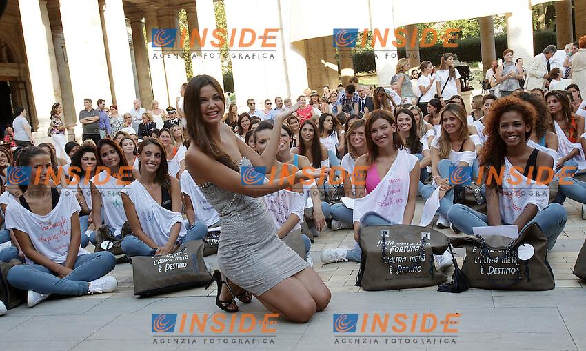 Stefania Bivone Miss Italia 2011 con le candidate alle Terme Tettuccio..Montecatini Terme 22-08-2012..Miss Italia..Foto Insidefoto Paolo Nucci..