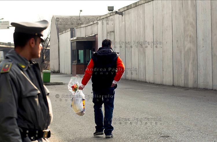 Milano, via Corelli.<br /> Centro di permanenza temporanea per immigrati.