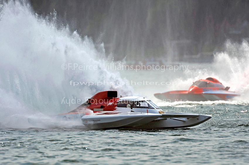 "Ken Brodie II, GP-50 ""Intensity""  and Norman Shannon, GP-104 ""Pieces d'autos Valleyfield"" (Grand Prix Hydroplane(s)"
