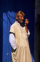 Afrique/Maghreb/Maroc/Essaouira : Homme dans le souk