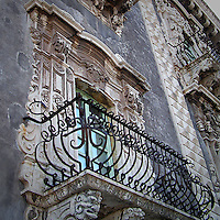 La facciata dell'ex Monastero dei Benedettini, ora università di lettere e filosofia a Catania..The facade of the former Benedectines Monastery, now letters and philosophy university in Catania.