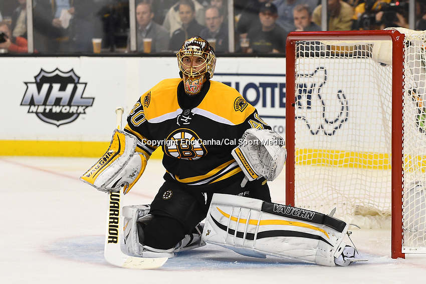 Tuesday, November 3, 2015: Boston Bruins goalie Tuukka Rask (40) guards the net during the National Hockey League game between the Dallas Stars and the Boston Bruins held at TD Garden, in Boston, Massachusetts. Dallas defeats Boston 5-3 in regulation time. Eric Canha/CSM