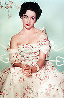 Giant (1956) <br /> Promo shot of Elizabeth Taylor<br /> *Filmstill - Editorial Use Only*<br /> CAP/KFS<br /> Image supplied by Capital Pictures