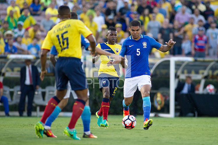 Action photo during the match Brazil vs Ecuador, Corresponding Group -B- America Cup Centenary 2016, at Rose Bowl Stadium<br /> <br /> Foto de accion durante el partido Brasil vs Ecuador, Correspondiante al Grupo -B-  de la Copa America Centenario USA 2016 en el Estadio Rose Bowl, en la foto: (i-d) Miler Bolanos de Ecuador y Casemiro de Brasil<br /> <br /> <br /> 04/06/2016/MEXSPORT/Victor Posadas.