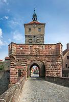 Deutschland, Bayern, Mittelfranken, Wolframs-Eschenbach: das Obere Tor | Germany, Bavaria, Middle Franconia, Wolframs-Eschenbach: Upper Town Gate