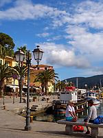 Hafen von Porto Azzurro, Elba, Region Toskana, Provinz Livorno, Italien, Europa<br /> port of Porto Azzurro, Elba, Region Tuscany, Province Livorno, Italy, Europe