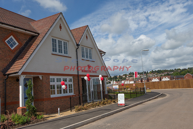 Redrow Homes<br /> Mon Bank stage 2 opening.<br /> 09.08.14<br /> &copy;Steve Pope-SPORTINGWALES