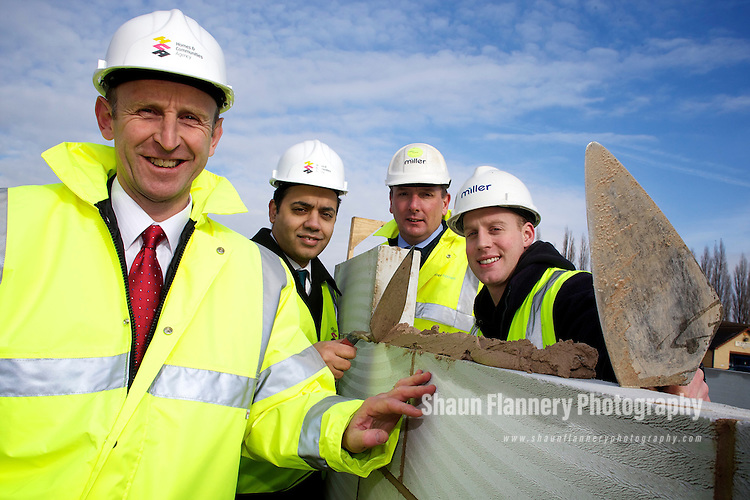Pix: Shaun Flannery/shaunflanneryphotography.com...COPYRIGHT PICTURE>>SHAUN FLANNERY>01302-570814>>07778315553>>..22nd February 2010..........Miller Homes, Calder View, Brewery Lane, Dewsbury..Visit of the Housing Minister, John Healey MP..L-R John Healey, Sahid Malik MP, Andy Davies, Miller Homes Construction Manager, former Miller Homes apprentice, Jonathan Reed.