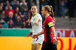 01.05.2019, RheinEnergie Stadion , Köln, GER, 1.FBL, Borussia Dortmund vs FC Schalke 04, DFB REGULATIONS PROHIBIT ANY USE OF PHOTOGRAPHS AS IMAGE SEQUENCES AND/OR QUASI-VIDEO<br /> <br /> im Bild | picture shows:<br /> Sara Bjoerk Gunnarsdottir (VfL Wolfsburg #7) mit Worten an ihr Team, <br /> <br /> Foto © nordphoto / Rauch