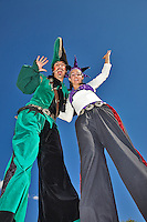 The Renaissance Fair is held each September at the historic museum of El Rancho de Las Golondrinas near Santa Fe and features dancers, kinghts, acrobats and many other performers all celebrating the culture and life style of the Medieval Middle Ages.  Clan Tynker is a family trouple that performs magic, juggling, acrobatics and other crowd pleasing feats. Santiago and Rebecca from ClanTynker intertain on stilts.