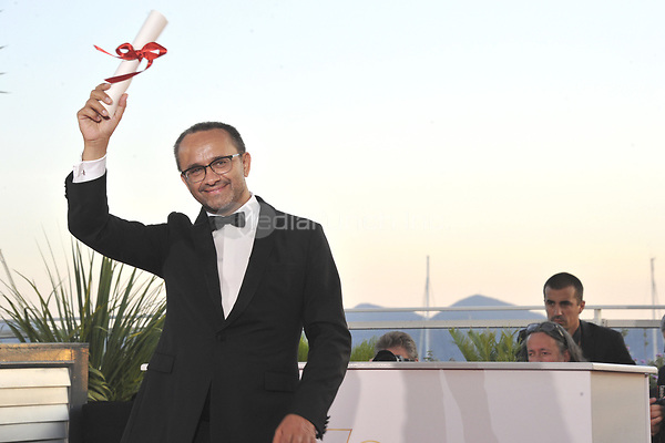 Andrey Zvyagintsev with the Prix Du Jury for the movie 'Loveless' (Nelyubov) at the award winner photocall during the 70th Cannes Film Festival at the Palais des Festivals on May 28, 2017 in Cannes, France | Verwendung weltweit/picture alliance /MediaPunch ***FOR USA ONLY***