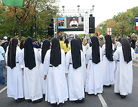 Dominican Sisters of Mary Immaculate Province of Houston, Texas listens to Pope Francis speech at Independence Hall while on the Ben Franklin Parkway during the Festival of Families Saturday September 26, 2015 in Philadelphia, Pennsylvania. Pope Francis is expected to speak at the festival. (Photo By William Thomas Cain)
