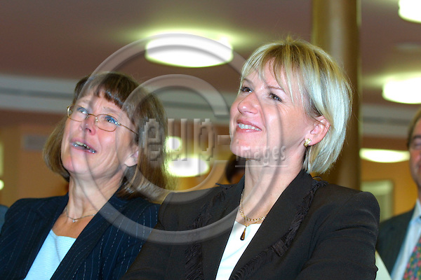 BRUSSELS - BELGIUM - 03 OCT. 2003 --From left The Swedish Minister of Agriculture Ann-Christin Nykvist and EU-Commissioner Margot Wallstroem (Wallstrom, Wallstr?m) at the SNS conference in Brussels.  PHOTO: ERIK LUNTANG / EUP-IMAGES