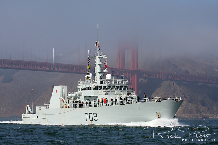 Canadian Kingston-class coastal defence vessel HMCS Saskatoon (MM 709) passes through the Golden Gate and enters San Francisco Bay.