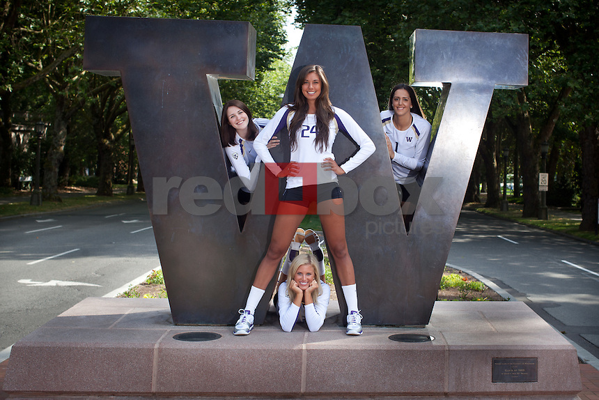 Amanda Gil, Kelcey Dunaway, Kelly Holford, Kylin Muñoz, UW- Volleyball (Photo by Rob Sumner / Red Box Pictures)