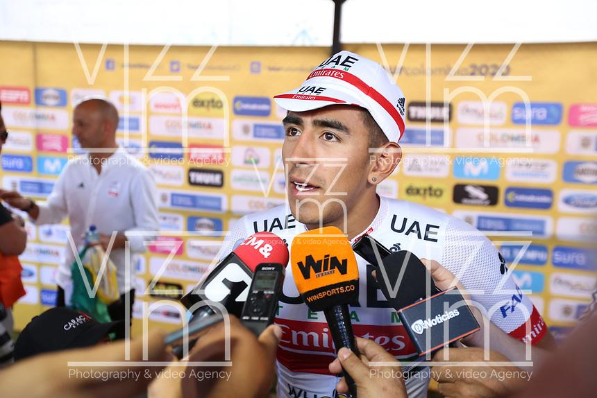 TUNJA - COLOMBIA, 13-02-2020:  Juan Sebastian Molano Benavides (COL) UAE TEAM EMIRATES, habla con la prensa tras ganar la tercera etapa del Tour Colombia 2.1 2020 con un recorrido de 177,7 km que se corrió entre Paipa y Sogamoso, Boyacá. /  Juan Sebastian Molano Benavides (COL) UAE TEAM EMIRATES, talk with the press after winning the third stage of 177,7 km as part of Tour Colombia 2.1 2020 that ran between Paipa and Sogamoso, Boyaca.  Photo: VizzorImage / Darlin Bejarano / Cont