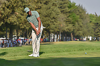 Tony Finau (USA) chips on to 18 during round 4 of the World Golf Championships, Mexico, Club De Golf Chapultepec, Mexico City, Mexico. 3/4/2018.<br /> Picture: Golffile | Ken Murray<br /> <br /> <br /> All photo usage must carry mandatory copyright credit (© Golffile | Ken Murray)