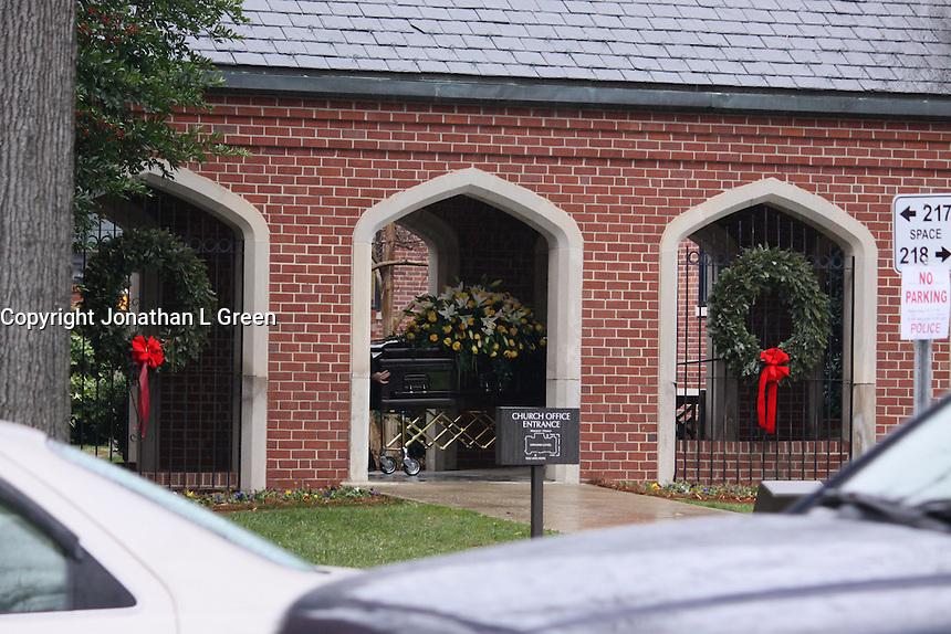 Elizabeth Edwards Funeral Service John Edwards Children<br /> Emma Claire, Jack, Eldest<br /> Cate by Jonathan L Green<br /> Raleigh North Carolina USA