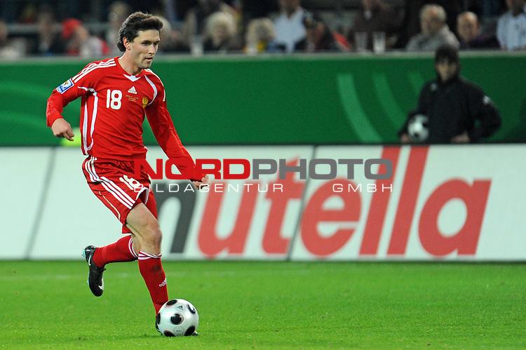 Fussball, L&auml;nderspiel, WM 2010 Qualifikation Gruppe 4 Westfalen Stadion Dortmund ( SIGNAL IDUNA PARK )<br />  Deutschland (GER) vs. Russland ( RUS )<br /> <br /> Yuri Zhirkov  (RUS #18) <br /> <br /> Foto &copy; nph (  nordphoto  )<br />  *** Local Caption ***