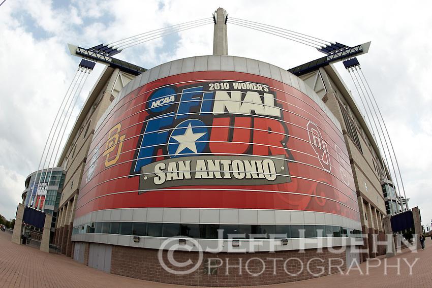 SAN ANTONIO, TX - APRIL 4, 2010: The 2010 NCAA Women's Final Four Semi-Finals at the Alamodome. (Photo by Jeff Huehn)