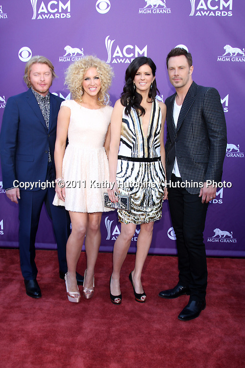 LAS VEGAS - APR 1:  Little Big Town arrives at the 2012 Academy of Country Music Awards at MGM Grand Garden Arena on April 1, 2010 in Las Vegas, NV.