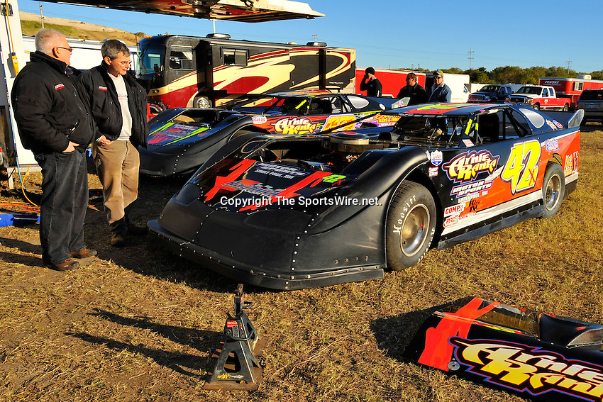 Feb. 4th, 2009; 4:42:40 PM; Gibsonton, FL . USA; Lucas Oil Late Model Dirt Series.running at the East Bay Raceway Park.  Mandatory Credit: (thesportswire.net)