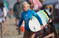 Huntington Beach, CA - Thursday August 03, 2017: Tatianna Weston-Webb during a World Surf League (WSL) Qualifying Series (QS) second round heat in the 2017 Vans US Open of Surfing on the South side of the Huntington Beach pier.