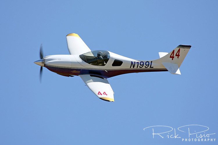 Sports Class Air Racing Lancair Legacy 2000 in flight.