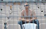DTM-Auftakt 2009, 100. Rennen der Deutschen Tourenwagen Masters in Hockenheim - enttaeuschter Zuschauer nach dem Unfall von Ralf Schumacher                                                                                            Foto © nph (  nordphoto  )