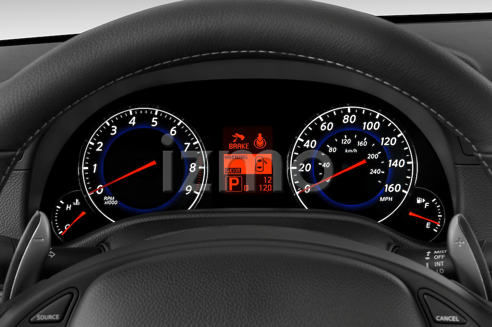 Instrument panel close up detail view of a 2008 Infiniti G37S Coupe