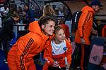 UTRECHT - Lidewij Welten (Ned) met de Fan of the match ,  na    de Pro League hockeywedstrijd wedstrijd , Nederland-China (6-0) .  COPYRIGHT  KOEN SUYK