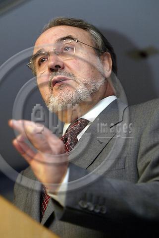 Belgium--Brussels--Commission     29.10.2003.Pedro SOLBES Mira, Commissioner for Economic and monetary affairs on autumn economic forecasts  ;  ..PHOTO: EUP-IMAGES / ANNA-MARIA ROMANELLI