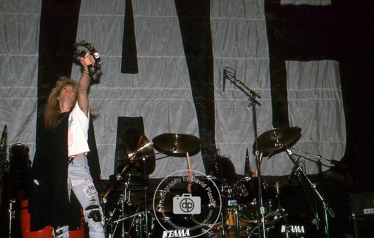 Guns-N-Roses-74.jpg