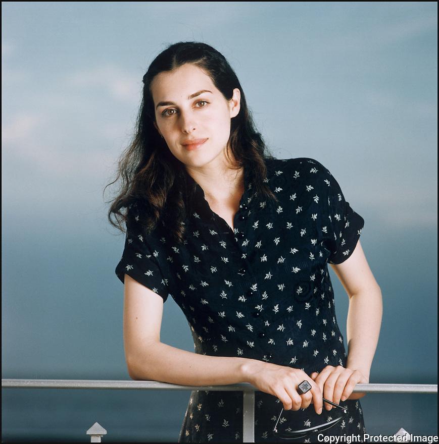Amira Casar,<br /> Com&eacute;dienne.