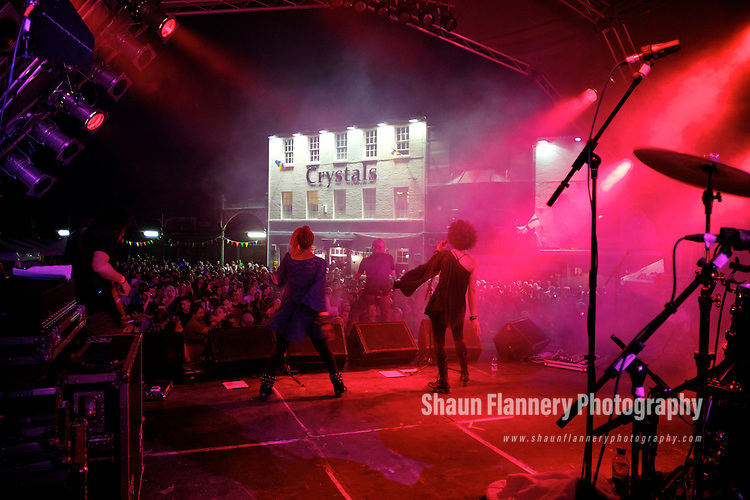 Pix: Shaun Flannery/shaunflanneryphotography.com...COPYRIGHT PICTURE>>SHAUN FLANNERY>01302-570814>>07778315553>>..September 2011..............St Leger Festival Week 2011..The Stereo MCS headline Doncaster Live..