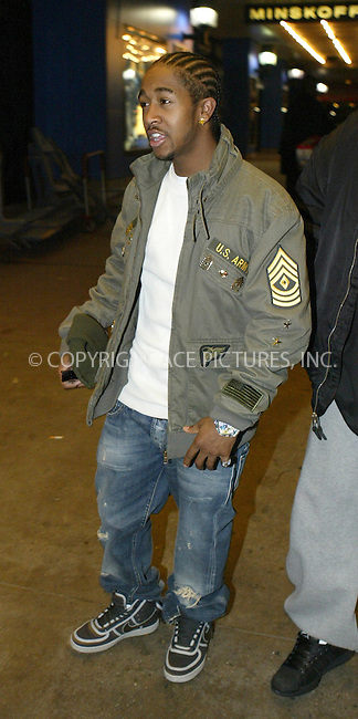 WWW.ACEPIXS.COM . . . . .  ....NEW YORK, FEBRUARY 21, 2005....Omarion Grandberry arrives for the 2005 MTV TRL Awards in Times Square.....Please byline: Ian Wingfield - ACE PICTURES..... *** ***..Ace Pictures, Inc:  ..Philip Vaughan (646) 769-0430..e-mail: info@acepixs.com..web: http://www.acepixs.com