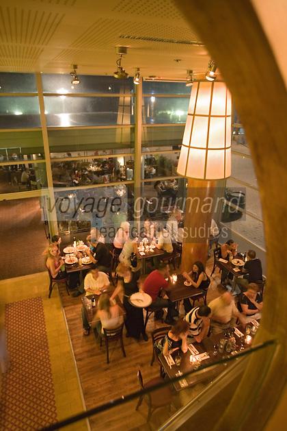 Asie/Israel/Tel-Aviv-Jaffa: soirée dans un restaurant de plage du front de mer du boulevard Ha Yarkon