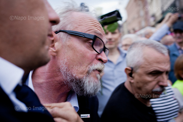 WARSZAWA, 10/07/2017:<br /> Demonstracja opozycji tzw. &quot;Kontrmiesiecznica smolenska&quot;, przeciwko upolitycznianiu tragedii Smolenskiej. n/z lider Obywateli RP Pawel Kasprzak.<br /> Fot: Piotr Malecki / Napo Images<br /> <br /> WARSAW, POLAND, JULY 10, 2017:<br /> Oposition demonstration against politicizing the Smolensk crash tragedy, during the monthly commemoration oficially organized by the PiS (Law and Justice) led government.<br /> (Photo by Piotr Malecki / Napo Images)