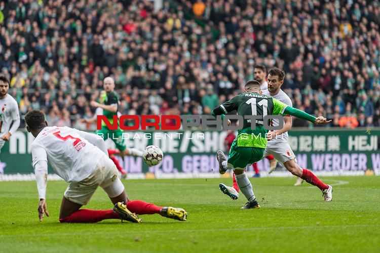 10.02.2019, Weserstadion, Bremen, GER, 1.FBL, Werder Bremen vs FC Augsburg<br /> <br /> DFL REGULATIONS PROHIBIT ANY USE OF PHOTOGRAPHS AS IMAGE SEQUENCES AND/OR QUASI-VIDEO.<br /> <br /> im Bild / picture shows<br /> Tor 3:0, Milot Rashica (Werder Bremen #11) spielt ReeceOxford (FC Augsburg #05) aus, mit Torschuss und Treffer 3:0, <br /> <br /> Foto &copy; nordphoto / Ewert