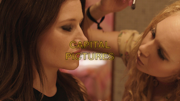 Kathryn Hahn, Juno Temple<br /> in Afternoon Delight (2013) <br /> *Filmstill - Editorial Use Only*<br /> CAP/FB<br /> Image supplied by Capital Pictures