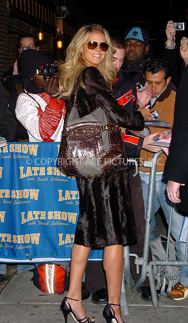 WWW.ACEPIXS.COM . . . . .  ....NEW YORK, FEBRUARY 9, 2006....Heidi Klum stops by for an appearance at the Late Show David Letterman.....Please byline: AJ Sokalner - ACEPIXS.COM.... *** ***..Ace Pictures, Inc:  ..Philip Vaughan (212) 243-8787 or (646) 769 0430..e-mail: info@acepixs.com..web: http://www.acepixs.com