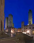 Europe, Italy, Tuscany, San Gimignano, Piazza Duomo at Dusk
