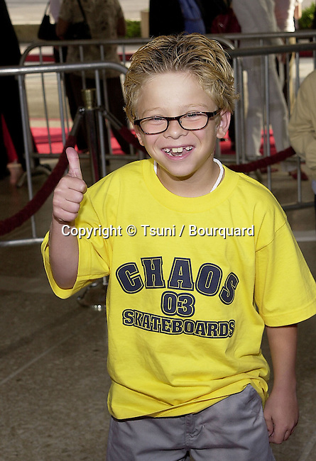Jonathan Lipnicki arriving at the premiere of Rat Race. The premiere was held at the Century Plaza Theatre in Los Angeles  July 30, 2001   © Tsuni          -            LipnickiJonathan02.jpg