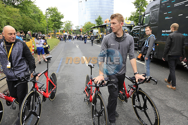 BMC Racing Team mechanics before Stage 1, a 14km individual time trial around Dusseldorf, of the 104th edition of the Tour de France 2017, Dusseldorf, Germany. 1st July 2017.<br /> Picture: Eoin Clarke | Cyclefile<br /> <br /> <br /> All photos usage must carry mandatory copyright credit (&copy; Cyclefile | Eoin Clarke)